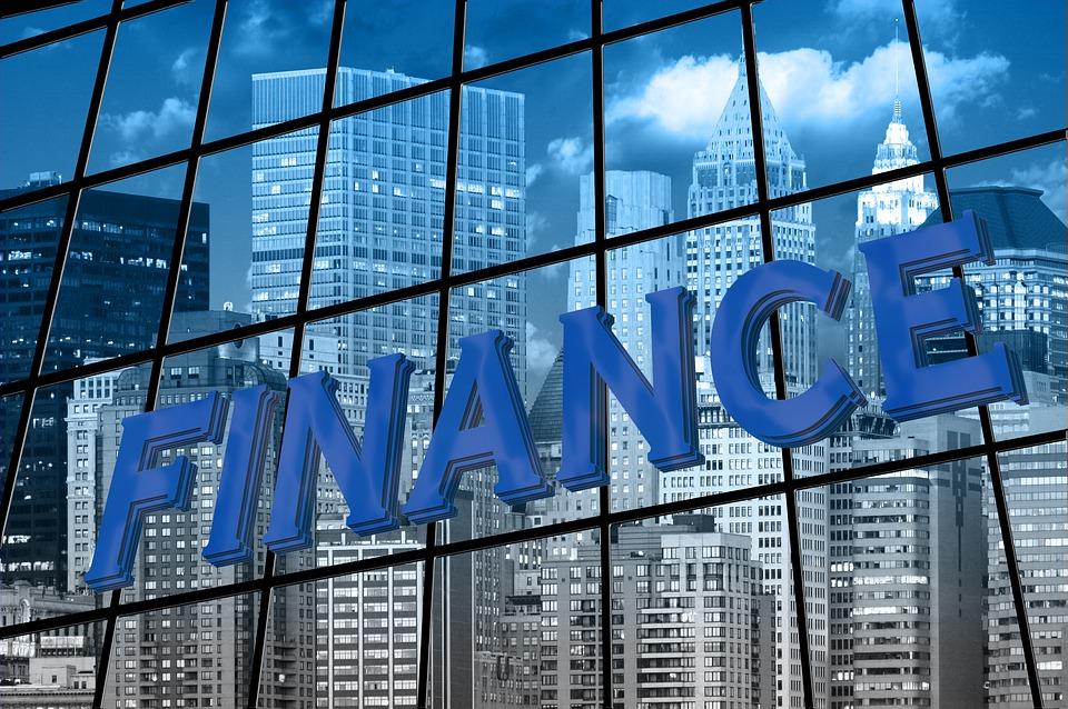 nápis Finance