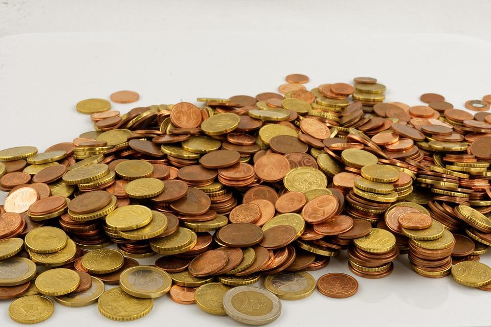 vysypané mince
